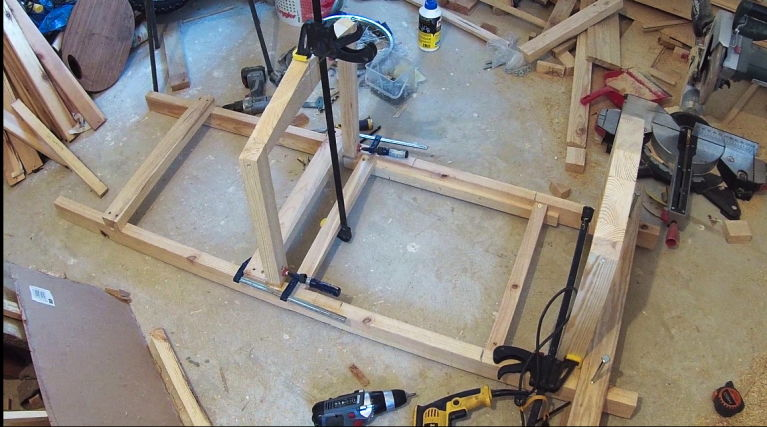 Frame of the car. Made from pine wood (flexibility and low weight) and oak (strenght)