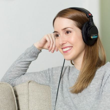 20 Inspiring Writing Podcasts to Subscribe to Right Now