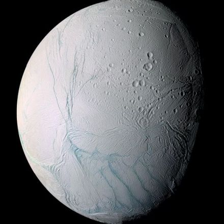 Enceladus' sea floor has hydrothermal vents like ours