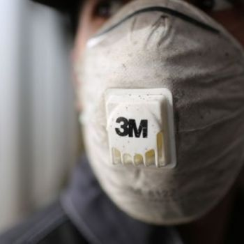 3M says White House asked it stop sending U.S.-made masks to Canada