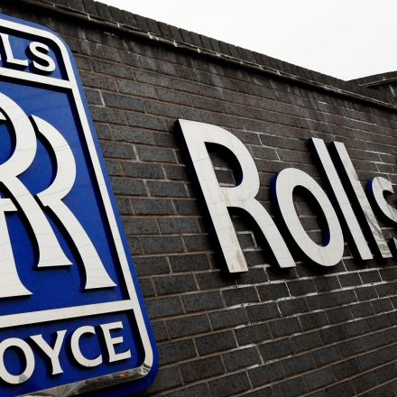 Rolls-Royce signs $1bn engine deal with Air China