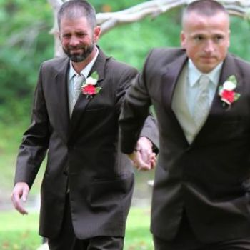 Viral photos: Dad stops daughter's wedding procession in touching selfless act