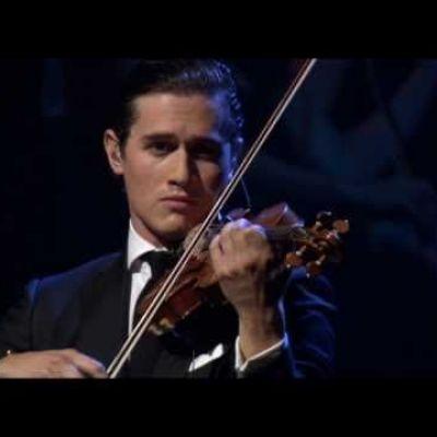 Charlie Siem plays 'Estrellita' with Il Novecento Orchestra.