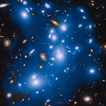 'Ghost Light' of Long-Dead Stars Haunt NASA's Hubble Telescope