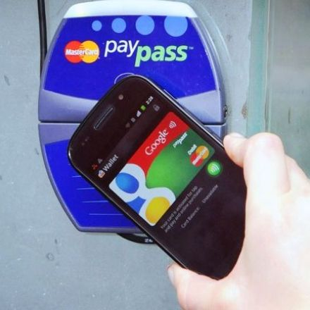 In shadow of Android Pay, Google Wallet evolves to stay alive
