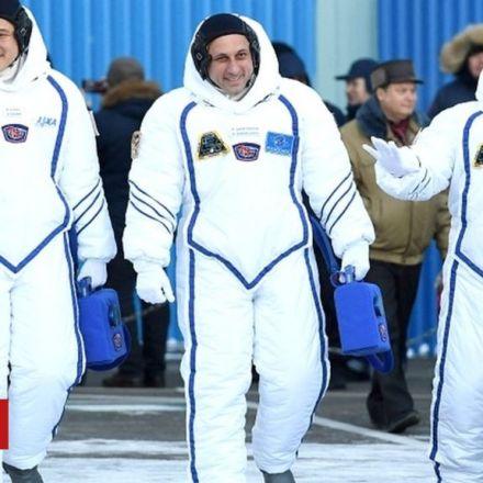 Japan astronaut sorry for 9cm growth error