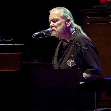Gregg Allman, Influential Force Behind the Allman Brothers Band, Dies at 69