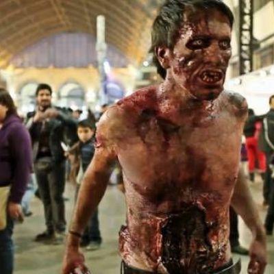 Man binge watching 'The Walking Dead' kills friend he thought was a zombie