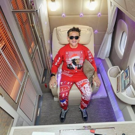 All time greatest airplane seat - Emirates first class suite