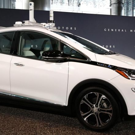 GM, not Tesla, is a better bet on the autonomous vehicle future right now, Deutsche Bank says