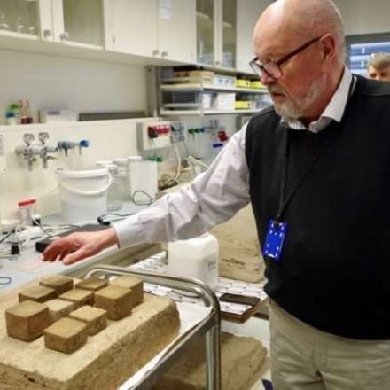 Printing a house from a novel peat material