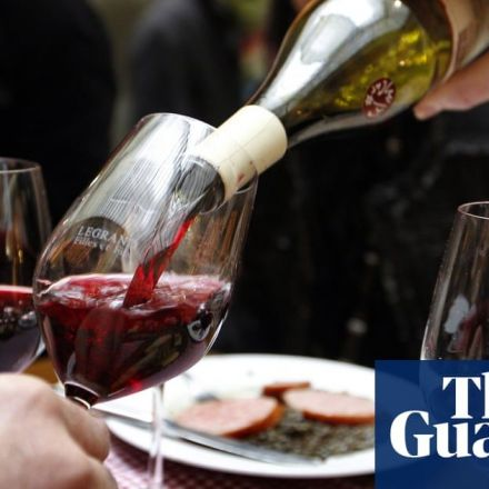 The French must drink less wine, say health officials