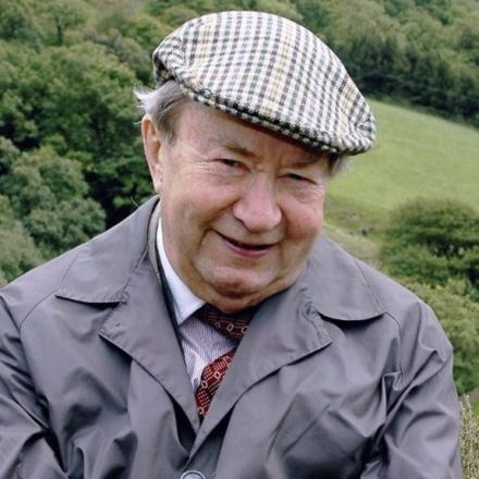 Peter Sallis: Last of the Summer Wine actor dies aged 96