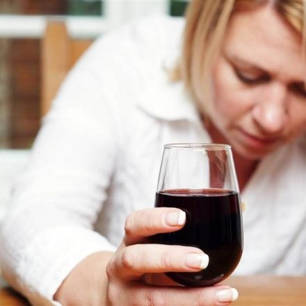 Turning to alcohol to feel less shy at parties? Brace for 'hangxiety'