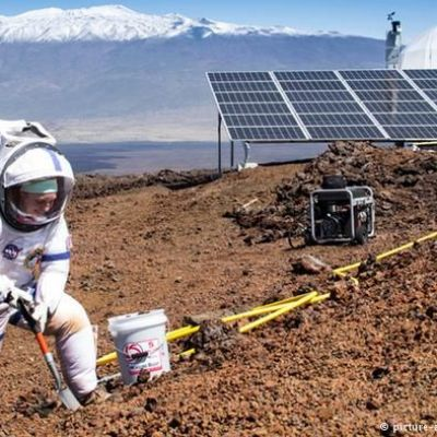 NASA begins year-long 'Mars isolation' experiment