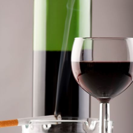 Does drinking 1 bottle of wine a week raise cancer risk as much as 10 cigarettes?