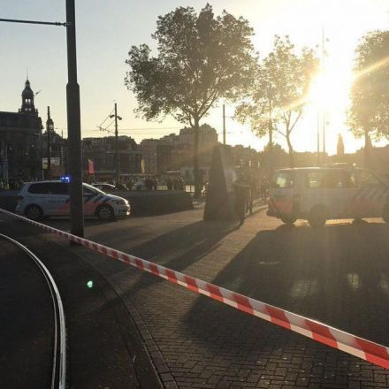 Car ploughs into pedestrians outside Amsterdam Centraal station