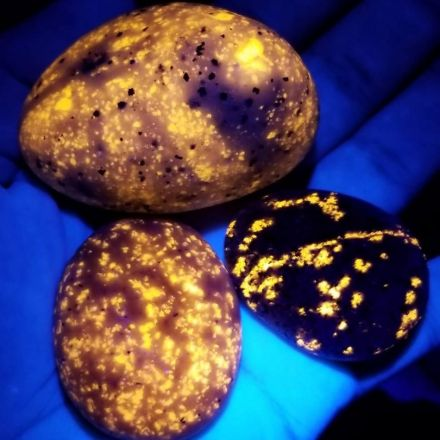 Glowing Rocks Dubbed 'Yooperlites' Discovered In Michigan