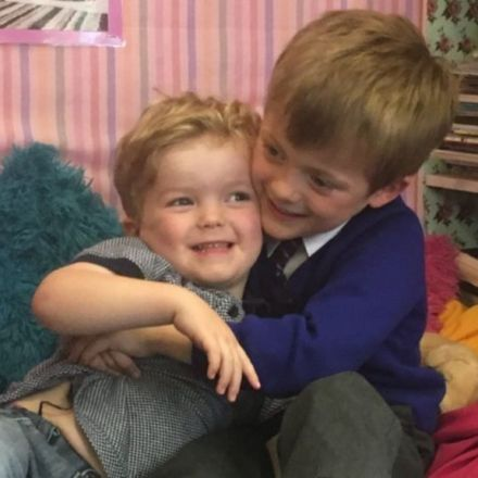 Boy, 5, saves brother from choking (video)