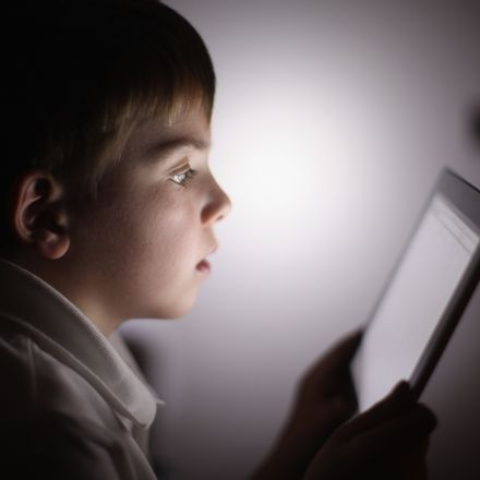 Extreme internet use linked to mental illness in teens