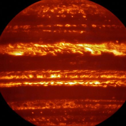 Jupiter Awaits Arrival of Juno - Spectacular VLT images of Jupiter presented just days before the arrival of the Juno spacecraft