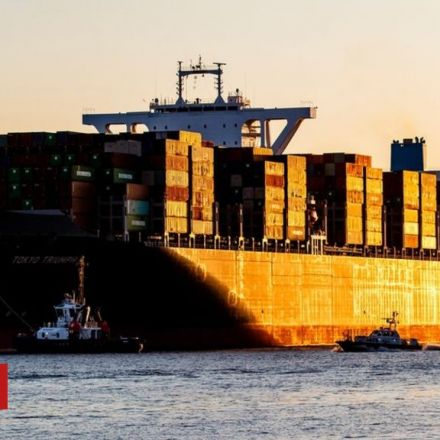 Shipping in 'historic' climate deal