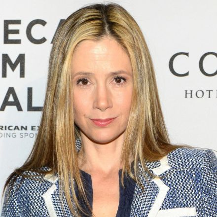 'Bad Santa' director claims Weinsteins blacklisted Mira Sorvino from movie