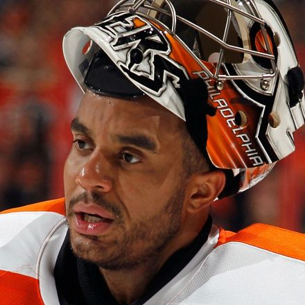 Former NHL goaltender Ray Emery drowns in Ontario harbour: police