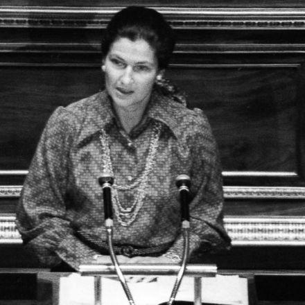 Simone Veil, iconic European feminist politician, dies at 89