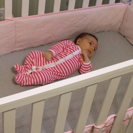 Infants and parents should share a room, report says
