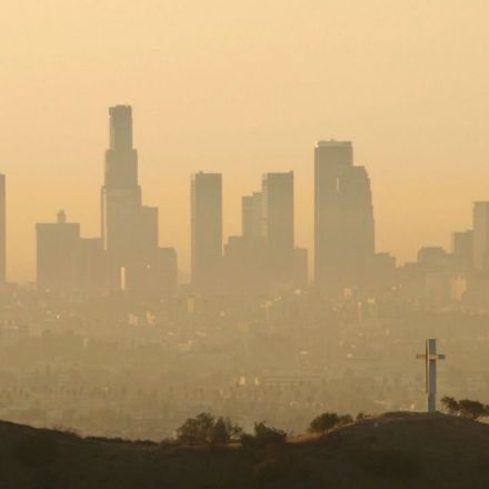 "The California heat wave is baking up ""very unhealthy"" smog levels"