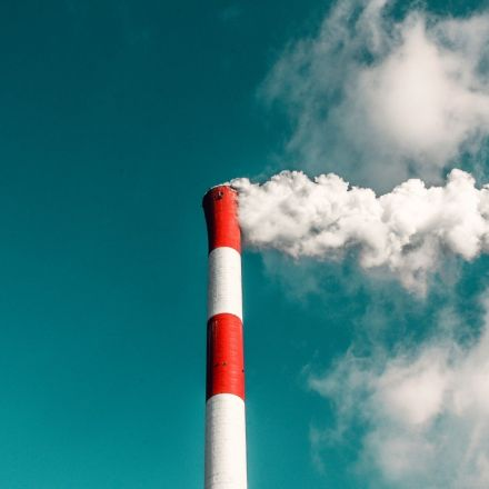Low-income, black neighborhoods still hit hard by air pollution