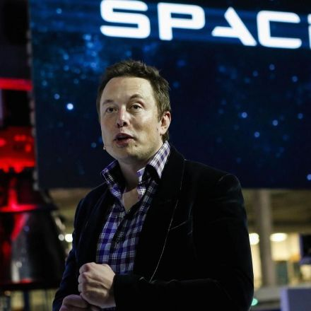 Elon Musk's SpaceX raises an extra $100 million and is now worth an estimated $21.5 billion