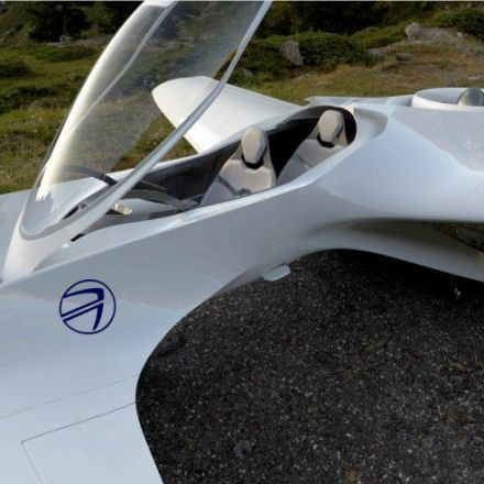 Delorean Flying Cars by 2022