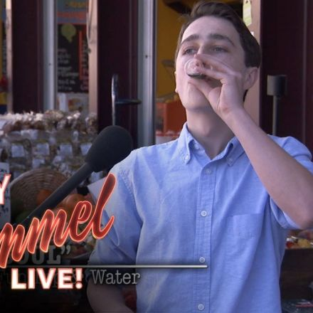 Jimmy Kimmel gives out Fake Cold Pressed Juice