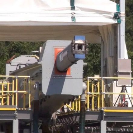 US Navy tests its crazy electromagnetic railgun