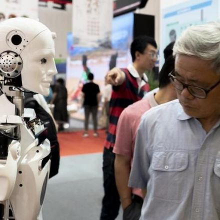 Robots threaten middle-aged workers the most (that's anyone over 21)