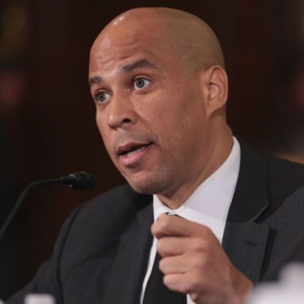 Booker introduces bill to legalize marijuana