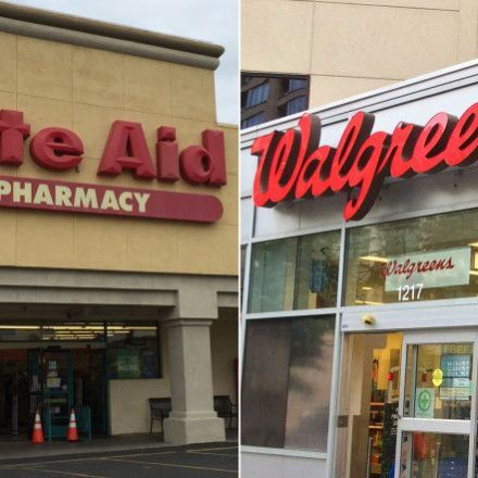 Walgreens scraps Rite Aid merger, will instead buy half its stores