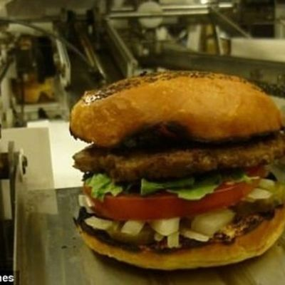 400 Burger Per Hour Robot Will Put Teenagers Out Of Work