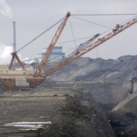 Canada accelerates phasing out of coal, breaking from Trump