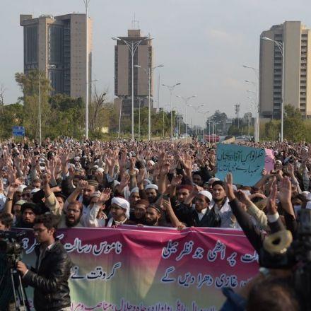 Pakistan Sentences Man To Death For 'Blasphemy' On Social Media