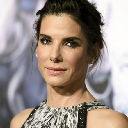 Sandra Bullock donates $1 million to Harvey Red Cross relief