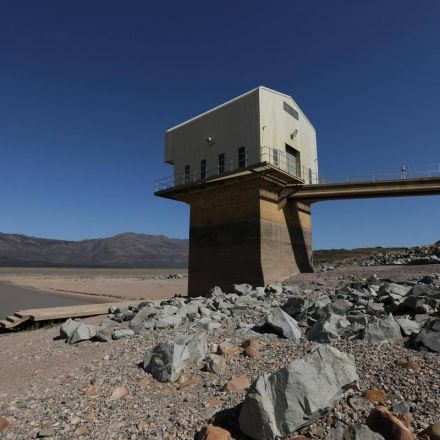 Cape Town at risk of becoming first major city in the world to run out of water