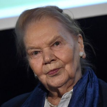 'Grand dame of Polish poetry' Julia Hartwig dies