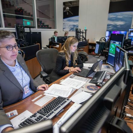 Be a Flight Director: NASA Accepting Applications for Mission Control