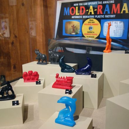 Mold-A-Rama: An Affordable Art Machine That's Survived Half a Century