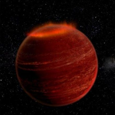 'Failed stars' host powerful auroral displays: Astronomers say brown dwarfs behave more like planets than stars