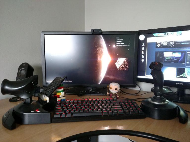 My Elite: Dangerous Cockpit  Now with Odin Bobblehead