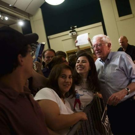 Pittsburgh feels the Bern as Bernie Sanders addresses national teachers conference